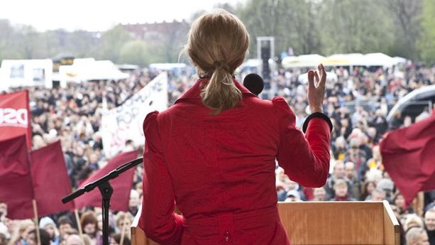 Erik Meier Carlsen til RÆSON: Nu går Socialdemokratiet 'classic'