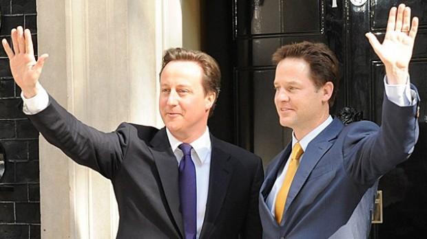 Storbritannien: Nu strammes bæltet