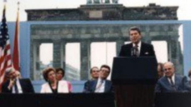 20-året for murens fald:: Lad ikke protektionisme blive den nye Berlinmur