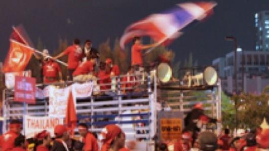 Thailand: Forhandlinger vil næppe løse den grundlæggende konflikt