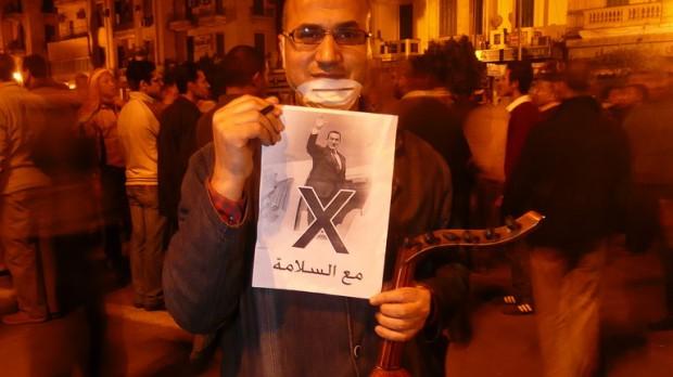 """Journalist Tobias Havmand, Libanon: """"Jeg tror, Mubarak vil falde, og muligvis vil flere andre regimer følge efter"""""""