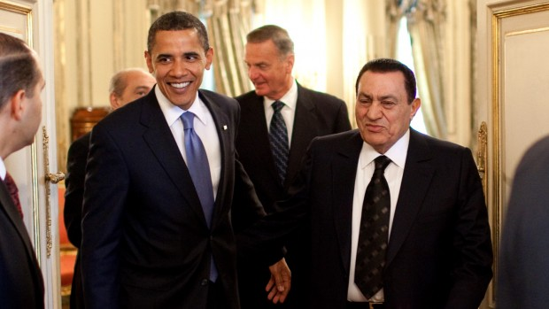 Aktivist og skribent Poyâ Pâkzâd: Måske kan Mubarak overleve uden USA's støtte