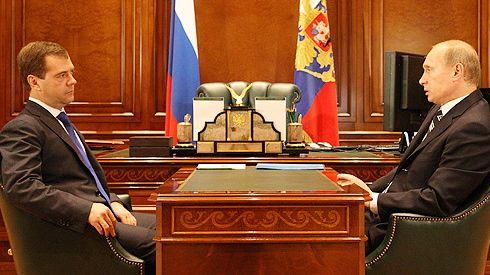 Rusland: Racisme, vold og korruption truer Putin og Medvedevs greb om magten