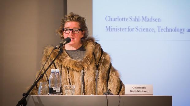 Udenomssnak: Sådan gør Charlotte Sahl-Madsen