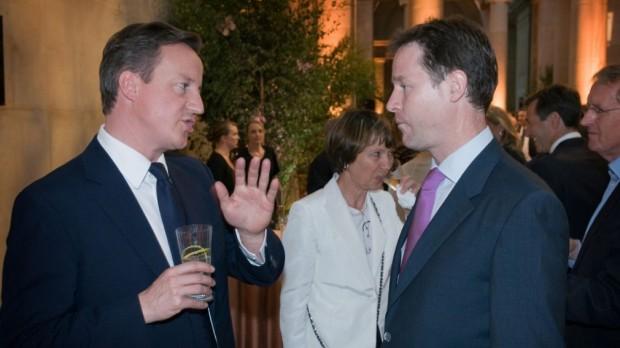 Storbritannien: Cameron og Cleggs venskab til afstemning