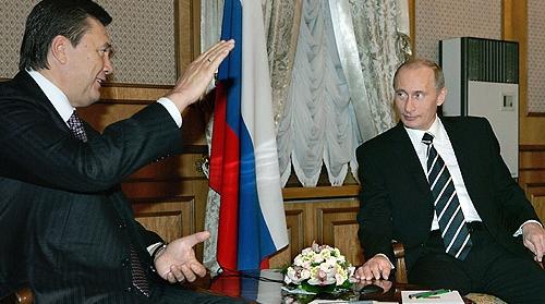 Ukraine: Janukovitj strammer grebet om magten