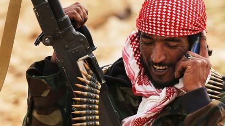 RÆSON spørger udenrigsordførerne: Skal vi blive i Libyen?