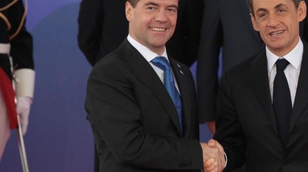 Ruslands syn på eurokrisen: De rækker en (dyr) hjælpende hånd