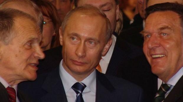 Ekspert fra Moskva: demonstrationer ikke nok til at vælte Putin