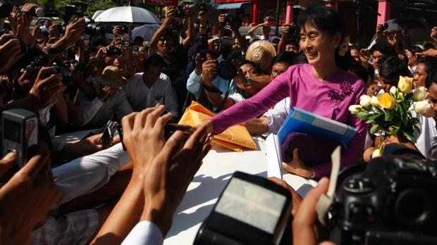 Burmas valg: Aung San Suu Kyi ses som landets frelser