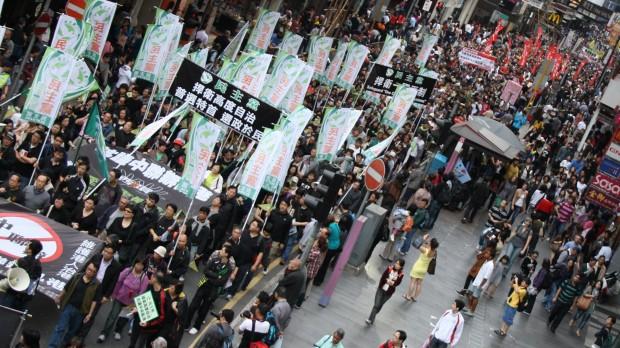 RÆSON i Hongkong: Folket kæmper for demokrati i gaderne
