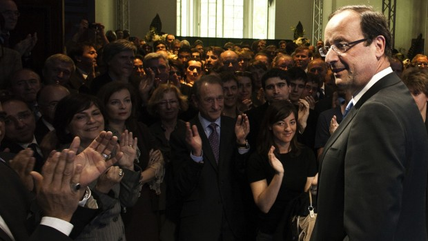 François Hollande: Endelig begynder problemerne