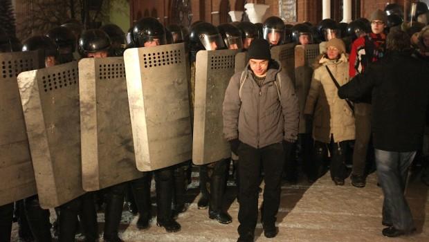Valg i Hviderusland:Diktatoren vinder, men hører snart fortiden til