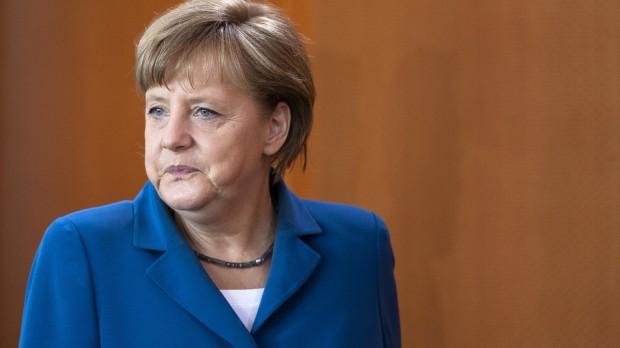 Tyskland i krisen: Merkel må ofre sig for at redde Europa fra lovløs ekstremisme