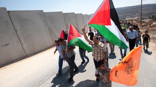 """""""EU er ikke for tiden i stand til at løfte en mere aktiv rolle"""" – Rasmus Helveg (R)Rundbord om Gaza"""