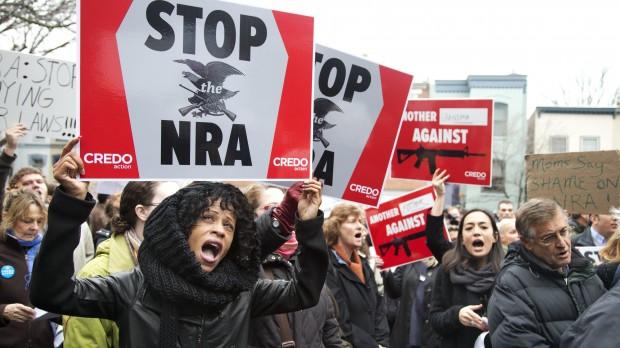 Efter massakren i Newtown Connecticut: Tre udfordringer for USA's våbenmodstandere