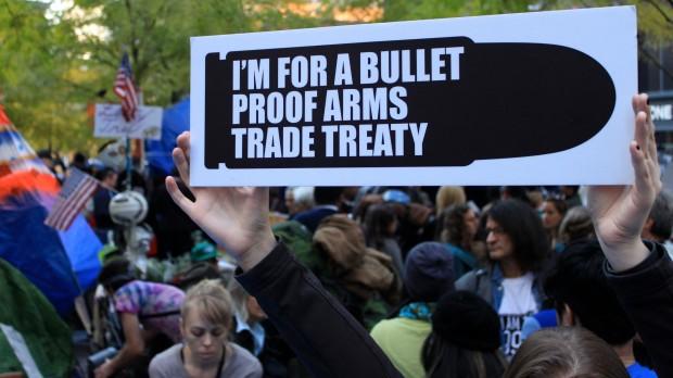 Global våbentraktat: Historisk aftale kan styrke kontrol med verdens våbenhandel