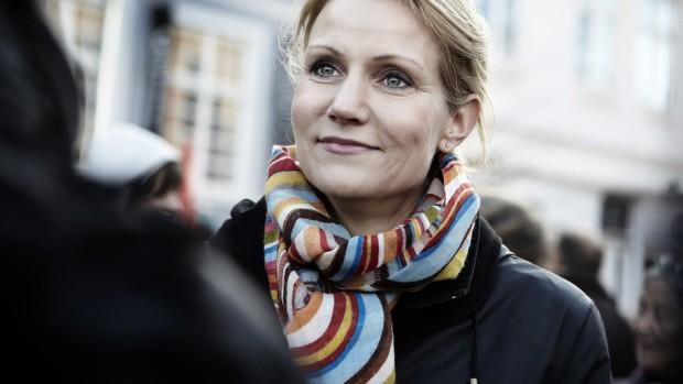 Frank Aaen: Regeringen er i fuld gang med at vælte sig selv