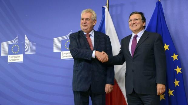 """Valgsejr til Tjekkiets """"Berlusconi"""": Folkets protest med ustabilitet til følge"""