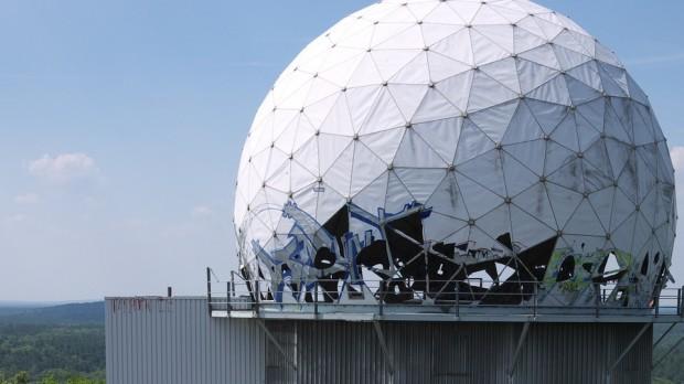 Overvågningssamfundet: Hvem kigger på hvem – og hvorfor?