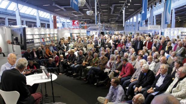 RÆSON på Bogforum: Mød skribenter og redaktører både fredag, lørdag og søndag