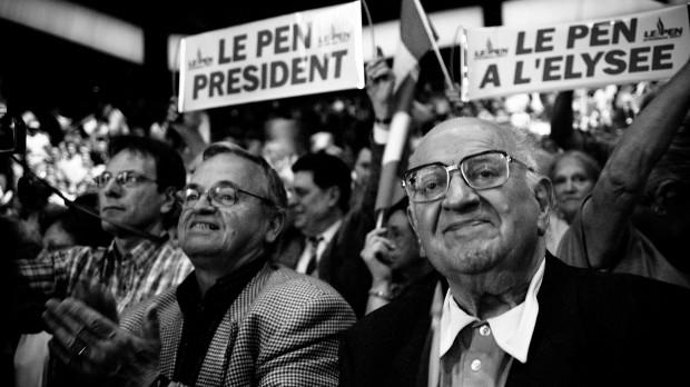 Frankrig: Front National står udenfor, venstrefløjen ligger i ruiner, Sarkozy gnider sig i hænderne