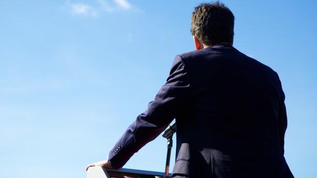 Det britiske valg: Yderfløjene spænder ben for Miliband