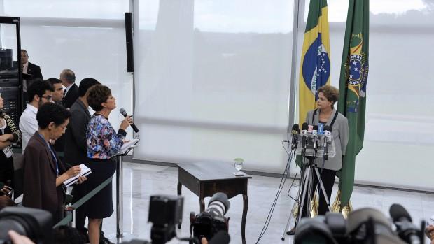 Marie Kolling og Mads Damgaard Andersen: Brasiliens regering og økonomi – og demokrati – i frit fald