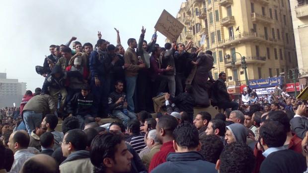Trine Pertou Mach om det Arabiske Forår: Tunesien som symbolsk fyrtårn – oprørene fortsætter