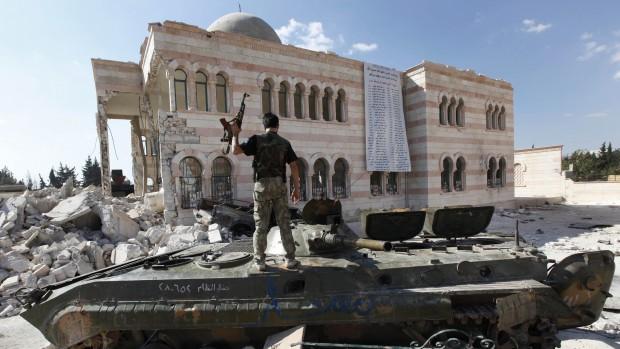 Tidligere IS-gidsel tilknyttet den Frie Syriske Hær: Den politiske proces starter først, når Assad fjernes