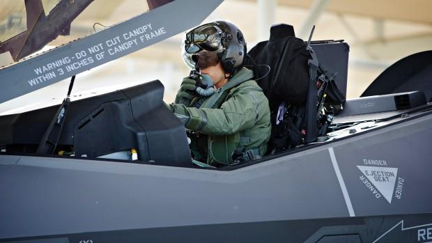 Peter Viggo Jakobsen og Mikkel Vedby Rasmussen: Flyvevåbnet har ikke kapacitet til at matche de politiske ambitioner