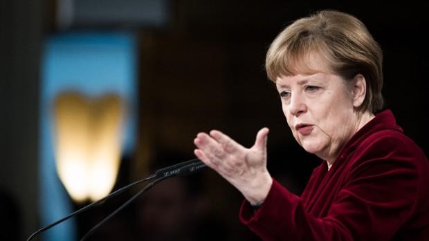 ER VESTEN ITU? Troels Heeger: Når det gælder liberale værdier, er tanken om Merkel som leder af den frie verden overdrevet