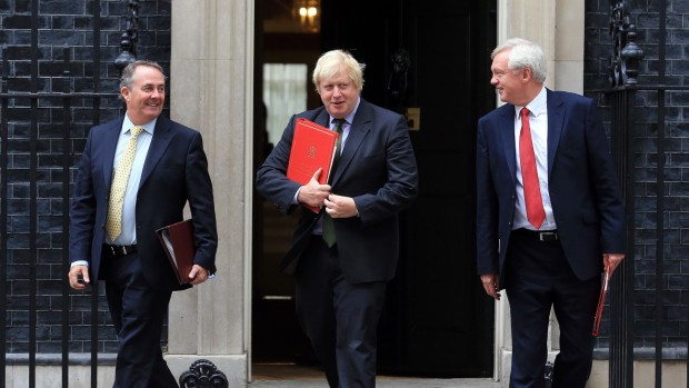 Ole Helmersen: Brexit var og er en kamp imellem eliter, og folket taber
