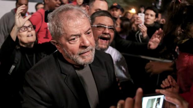 Historisk. Et helt nyt kapitel i Brasiliens kamp mod korruptionenAf Niels Westy