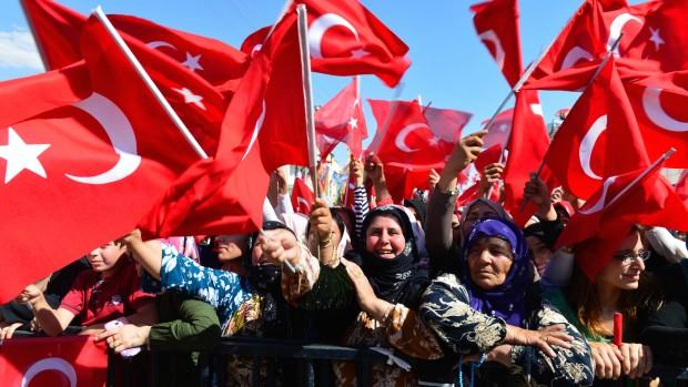 Tyrkiet et år efter kupforsøget: Erdogan står stærkere, men Tyrkiet svagere / af Ferhat Gurini