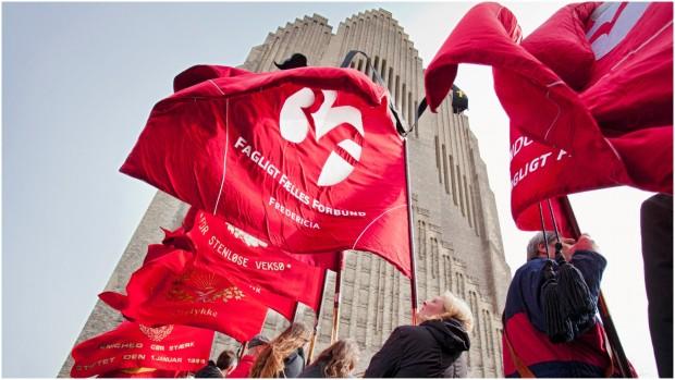 Jan Hoby og Jakob Nerup: Historien om Socialdemokratiet er historien om et parti, der opgav at være et parti for de mange og i stedet blev et parti, der tilgodeser de få