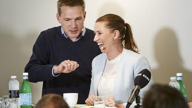 Chris Bjerknæs (DFU-formand):  DF, S og V er et ideelt samarbejde. Og måske på sigt en drømmeregering