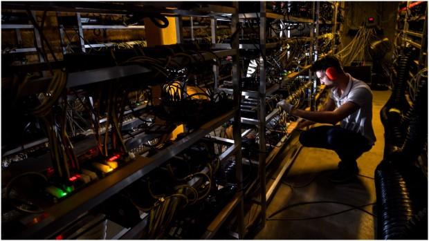 """INDSIGT med Lawrence Lundy-Bryan: """"Vi vil skabe et internet, der er decentralt, distribueret og belønningsbaseret"""""""