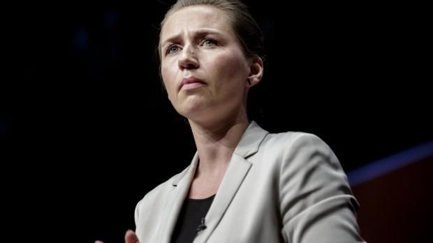 S:  Går Mette Frederiksen efter et samarbejde med DF?