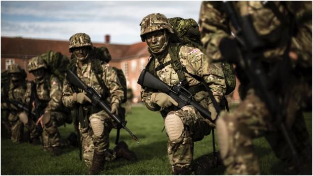 Danmarks genoprustning til et konventionelt militærKommentar af Lars Bangert Struwe