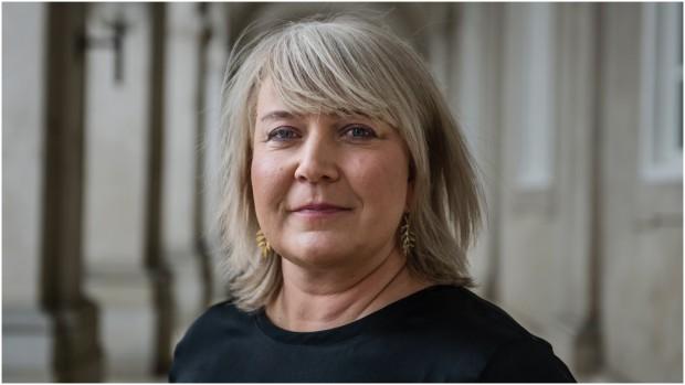 Christina Egelund: Fingrene væk fra Netflix, Sosser!