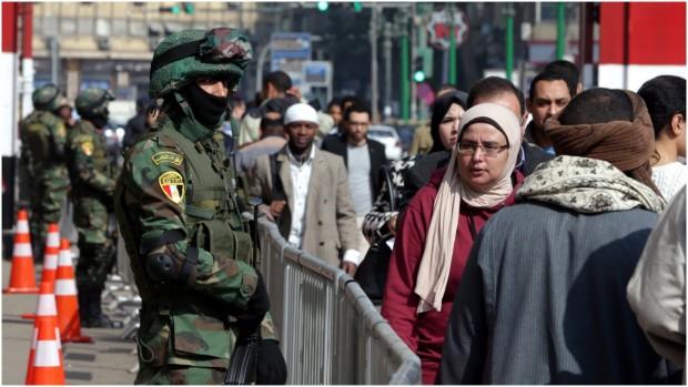 """Sara Khorshid: """"Historisk har vi set en masse kosmetiske valg i Egypten, men det kommende er åbenlyst mere kosmetisk, og det forsøger al-Sisis regime end ikke at skjule"""""""