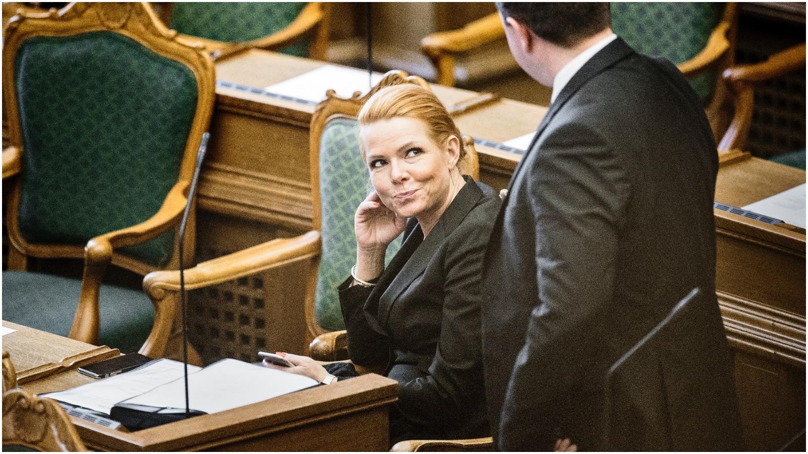 Simon Pihl Sørensen (S): Lov om håndtryk er udtryk for totalitær tænkning