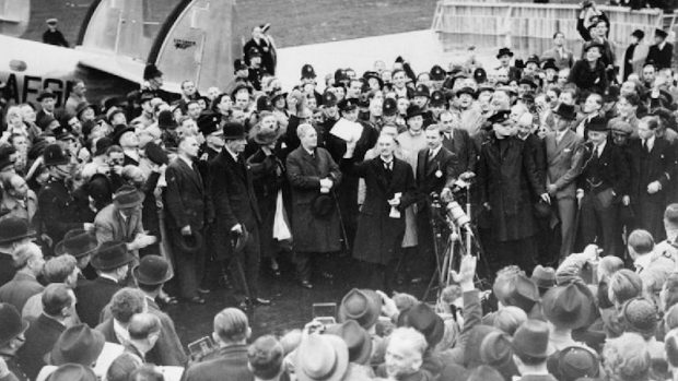 """Krisecast 4: """"Fred i vor tid"""" – München 1938"""